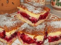 Toto je nejlepší švestkový koláč, jaký jsem kdy dělala: Švestky můžete nahradit i jiným ovocem a ten krém je božský! Baking Recipes, Cake Recipes, Dessert Recipes, Swiss Roll Cakes, Czech Recipes, Hungarian Recipes, Food Cakes, Cake Cookies, Amazing Cakes