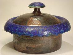 """Big lidded jar bu Liisa Hallamaa (1925 - 2008).  Big lidded jar bu Liisa Hallamaa (1925 - 2008). Probably 1960s. Incised: LH Arabia. Height to the top of the lid: 14 cm (5.5"""") Width: 21 cm (8.3"""") Weight: 1 kg (2.2 lbs) Price: 2900 SEK Designer(s) Liisa Hallamaa-Larsen Producer Arabia"""