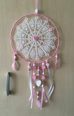 Embroidery hoop crochet dream catcher 28 ideas for 2019 Mandala Au Crochet, Crochet Doilies, Crochet Flowers, Lace Dream Catchers, Dream Catcher Craft, Embroidery Hoop Crafts, Embroidery Flowers Pattern, Dreamcatcher Crochet, Dream Catcher Tutorial