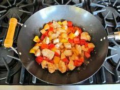 Российский Wok-Shop - рецепт: Кисло-сладкие куриные кусочки с ананасом - купить вок