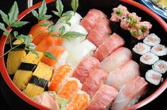 Seven reasons to eat sushi (other than because it tastes My Sushi, Best Sushi, Nigiri Sushi, Sashimi, Health Benefits, Asian Recipes, Healthy Recipes, Ethnic Recipes, Gastronomia