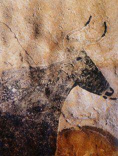 Sous un ciel brouillé: Peintures pariétales de Lascaux – Lascaux cave paintings