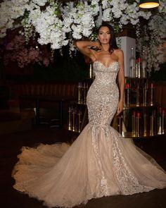"8.677 aprecieri, 257 comentarii - Katie Daley (@misskda) pe Instagram: ""Them: ""What you wearing June 21st?"" Me:.............."" Formal Dresses, Wedding Dresses, Mermaid Wedding, 21st, How To Wear, June, Instagram, Fashion, Dresses For Formal"
