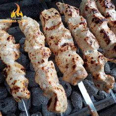 Russische Schaschlik Spieße vom Mangal #Grill #Beilage #Russian #Russia #SchaschlikStyle #food #lecker #rezept #rezepte #grillen #mangal #bbq #beilagen #grillspieße #grillfleisch #grillideen #style #russaki #bestoftheday #fresh #tasty #food #delicious #eating #foodpic #eat #foodgasm #hot #foods #bbq #screwers #russia #russian #russaki #fresh #foodporn #schaschlik #grill #mangal #shashlik #shashliyk Seekh Kebab Recipes, Chicken, Meat, Finger Food, Russian Foods, Russian Cuisine, Russian Recipes, Brunch Recipes, Sunday