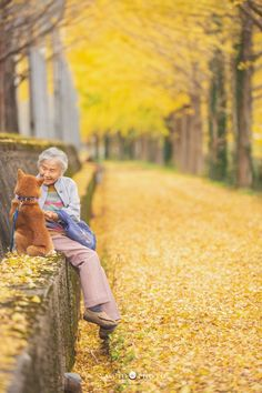 Photographer Captures Heartwarming Photos Of His Grandma And Her Shiba Inu - Shiba Inu, Best Funny Pictures, Cute Animals, Nature, Doge, Portrait Photography, Colors, Sweet, Beauty