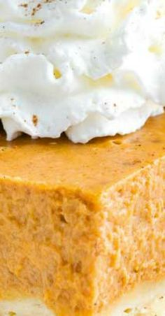 All the amazing flavor of your favorite classic pumpkin pie, but without the finicky pie crust! These pumpkin bars are so easy to make, and taste great! No Bake Pumpkin Pie, Pumpkin Pie Bars, Baked Pumpkin, Pumpkin Dessert, Pumpkin Recipes, No Cook Desserts, Fall Desserts, Bar Recipes, Sweets Recipes
