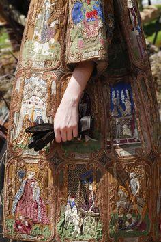 """Dior, """"Visconti di Modrone"""" tarot emboidery on the coat"""