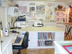 Very inviting sewing room.