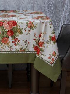 *Yemek masası örtüsü olarak tasarlanmıştır. *Leke tutmayan çiçekli duck keten kumaşından üretilmiştir. *Makinede yıkınabilir, ağartıcı kullanılmaması önerilir. *Uzun masa örtüsü, kare masa örtüsü ve kare kapak olmak üzere 3 farklı ölçüde üretilmiştir.