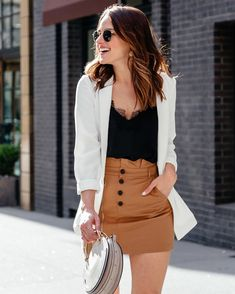 You dont need to be confused with your outfit to hang out with your family and friends. These most casual summer outfits ideas for women 2020 Black Women Fashion, Look Fashion, Womens Fashion, Cheap Fashion, Ladies Fashion, Fashion Night, Affordable Fashion, Classy Outfits, Stylish Outfits