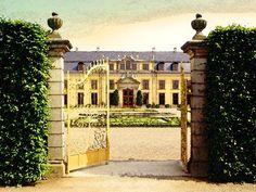 'Schloss Herrenhausen zu Hannover' von Dirk h. Wendt bei artflakes.com als Poster oder Kunstdruck $18.03