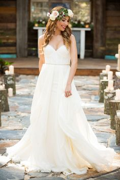 Wedding Dress from Calvet Couture Bridal in Winter Park FL - Rustic Winter Wedding Inspiration Shoot at Bridle Oaks in Deland Florida - Photo: Drake Photography - Click pin for more photos www.orangeblossombride.com
