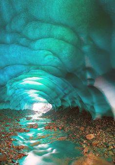 Foto: A veces llamadas Cuevas de Cristal, las cuevas de hielo en los glaciares de Islandia son una maravilla verdaderamente fascinante de la naturaleza.