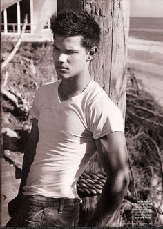 Taylor Lautner in Fitted White is listed (or ranked) 6 on the list Hot Taylor La. - Taylor Lautner in Fitted White is listed (or ranked) 6 on the list Hot Taylor Lautner Photos - Jacob Black, Johny Depp, Teen Guy, Van Halen, New Moon, Twilight Saga, Twilight Jacob, Hot Boys, To My Future Husband