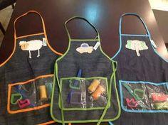 Delantales Infantiles De Jean Con Accesorios - $ 110,00 Kids Wedding Favors, Wedding With Kids, Kits For Kids, Crafts For Kids, Diy And Crafts, Diy Souvenirs, Sewing Crafts, Sewing Projects, Birthday Souvenir
