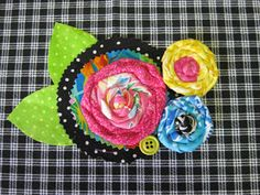 Leslie's Art and Sew: Fabric Flower Tutorial