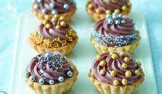 Parížske košíčky Mini Cupcakes, Cupcake Cakes, Four, Gluten, Advent, Woman, Meals, Women, Cupcake