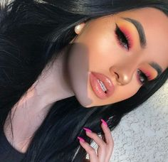 How to Wear Fall's Biggest Makeup Trends IRL From neon lids to rounded liner, here's how to rock the looks.From neon lids to rounded liner, here's how to rock the looks. Makeup Eye Looks, Full Face Makeup, Cute Makeup, Glam Makeup, Gorgeous Makeup, Pretty Makeup, Skin Makeup, Eyeshadow Makeup, Eyeshadows