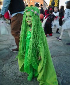 great te fiti hair - yarn etc Costume Halloween, Te Fiti Costume, Halloween 2017, Holidays Halloween, Halloween Kids, Halloween Crafts, Cosplay Costumes, Happy Halloween, Halloween Party
