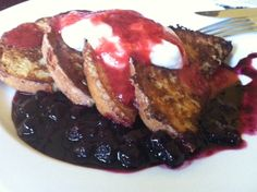 """French Toast with Strawberry, Blueberry Sauce, and """"Mascarpone Cream"""" – gluten free, dairy free"""