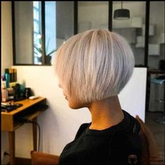 80 Best Bob Haircut Pictures in 2018 – 2019 Short Bob Hairstyles Funky Bob Hairstyles, Bobbed Hairstyles With Fringe, Best Bob Haircuts, Japanese Hairstyles, Korean Hairstyles, Men Hairstyles, Long Bob Blonde, Blonde Bob Haircut, Short Blonde Bobs
