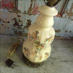 Granny chic lamp
