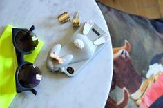 dois igual a três: Tigela de experiências: Casa Oliver  #guesthouse #lisbon #decor #interiors #green #home #travel #portugal #sunglasses #neon #moschino #bunny