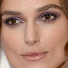 Come See Keira Knightley's Shimmery Purple Eyeshadow – Makeup – Woman – Beauty Makeup Geek, Makeup Inspo, Makeup Inspiration, Beauty Makeup, Hair Makeup, Makeup Ideas, Keira Knightley Maquillage, Keira Knightley Makeup, Eyeshadow For Brown Eyes