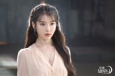 IU,Jang manwol's cross pattern necklace in Hotel Del Luna. Hairstyles With Bangs, Girl Hairstyles, Wedding Hairstyles, Iu Hairstyle, Korean Hairstyle Long, Korean Hairstyles, K Drama, Marian Rivera, How To Style Bangs