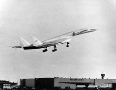 North American Aviation XB70A-1-NA 62-001 takes off for the first time, 21 September 1964. (U.S. Air Force)