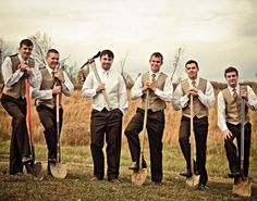 10 Fun and Original #Wedding Party Photos http://www.surfandsunshine.com/fun-and-original-wedding-party-photos/