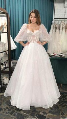 Wedding Dress Bustle, Fancy Wedding Dresses, Backless Wedding, Bridal Dresses, Ball Dresses, Ball Gowns, Pretty Dresses, Beautiful Dresses, Ropa Shabby Chic
