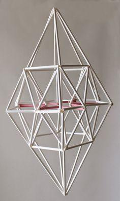 TAITO NÄPEISSÄ: Vierailu Himmelisti Eija Kosken luona Diy Projects To Try, Crafts To Make, Project Ideas, Chakras, Paper Chandelier, Origami, Wrought Iron Decor, Stick Art, Cardboard Crafts