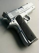 9mm Pistol.. I want this one... <3