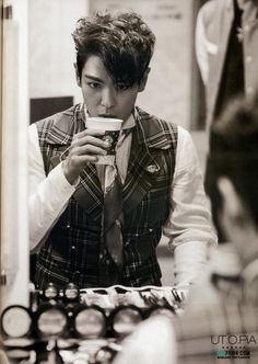 Scans: T.O.P in 2014 +α Concert in Seoul Photo Book [PHOTOS]   ---bigbangupdates \\\ perfecto, pido uno para llevar ;)