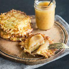 Kartoffelpuffer oder Reibekuchen - egal, wie sie heißen. Wichtig ist, dass sie knusprig-kross sind. Wie das am besten funktioniert? Hier gibt es alle Tipps.