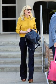 Kirsten Dunst. Love a little navy and yellow.