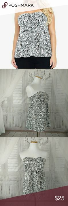 """Torrid Rose Babydoll Strapless Tube Top Floral Excellent condition. Sz 1. Black and White strapless rose print top featuring a sexy back elastic band. 96% polyester, 4% spandex. Chest 17"""". torrid Tops"""