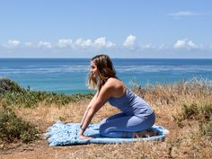 Yoga to Detox From Your Desk | Free People Blog #freepeople