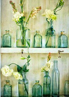 Halvány zöld üvegek