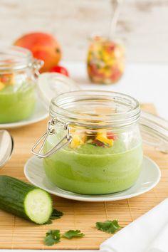 Kalte Gurken Avocado Suppe mit Mango Salsa / Cold Cucumber Avocado Soup wih Mango Salsa