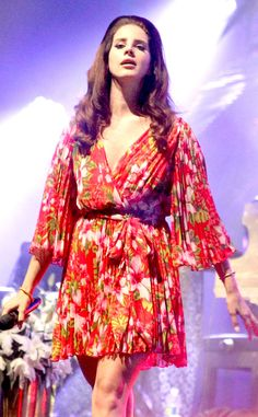 Lana Del Rey is a retro beauty in this feminine, floral frock!