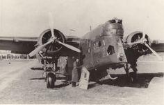 """Samolot bombowy LWS-6 """"Żubr"""" zdobyty we wrześniu 1939 r. przez wojska niemieckie. (Źródło: ze zbiorów CardPlane)."""