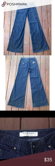 "☀️EUC Hudson Jeans Wide Leg Flare Dark Wash 27 Hudson Wide Leg Flare Dark Wash Jeans, size 27, in excellent used condition. 34"" inseam. Hudson Jeans Jeans Flare & Wide Leg"
