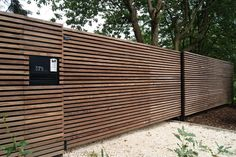 6 Creative and Modern Tricks: Country Fence England fix old fence.Bamboo Fence With Plants outdoor fence white.Fence Painting Before And After. Fence Landscaping, Backyard Fences, Modern Landscaping, Yard Fencing, Pool Fence, Front Gates, Front Yard Fence, Fence Gate, Modern Fence Design
