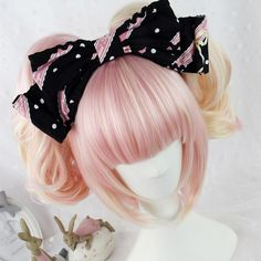 Harajuku Lolita Short Pink Wig ($44) ❤ liked on Polyvore featuring beauty products, haircare, hair styling tools, wig, hair and lolita