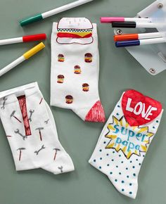 Happy Socks, Drawing Lessons, Sleepover, Kids Gifts, My Drawings, Fathers Day, Christmas Stockings, Kindergarten, Preschool