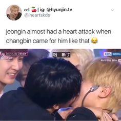 Who wouldn't had a heart attack i mean he's Changbin ?Seo Changbin and Yang Jeongin? Funny Kpop Memes, Kid Memes, Kpop Kiss, Felix Stray Kids, Crazy Kids, Kids Reading, Kids Videos, Heart Attack, Day6