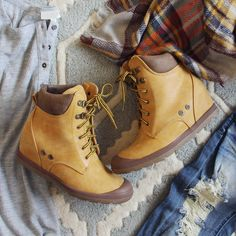 The Sweet Hiker Booties... perfect for fall!