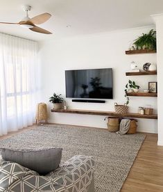 Home Living Room, Apartment Living, Living Room Designs, Living Room Decor, Bedroom Decor, Cozy Bedroom, Lounge Decor, Lounge Ideas, Living Room Inspiration